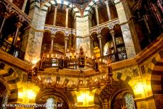 Aachen Cathedral - Aachen Cathedral: The Barbarossa Chandelier is hanging from the octagonal domed vault of the Palatine Chapel. The chandelier was donated...