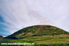 Neolithisch Orkney - Heart of Neolithic Orkney: The grass mound of Maeshowe hides passages and grave chambers. The passage tomb Maeshowe was built between...