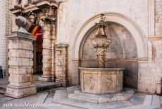 Old City of Dubrovnik - Old City of Dubrovnik: The Small Onofrio's Fountain was built in 1441. The fountain is located on Luža Square, near the Clock Tower...