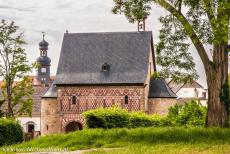 Abbey of Lorsch - Abbey and Altenmünster of Lorsch: The King's Hall, also Königshalle or Torhalle, seen from the herb garden. The King's...