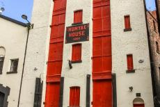 Liverpool - Mercantile City - Liverpool - Maritime Mercantile City: The Humyak House in Duke Street, the 4-storey warehouse was built in 1864. The Humyak House still...
