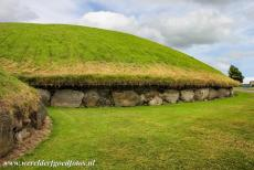 Bend of the Boyne - Knowth - Brú na Bóinne - Archaeological Ensemble of the Bend of the Boyne: Around the central and largest passage tomb of Knowth are at...