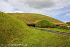 Bend of the Boyne - Knowth - Brú na Bóinne - Archaeological Ensemble of the Bend of the Boyne: A theory that the two passages of the large passage tomb...