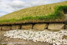 Bend of the Boyne - Knowth - Brú na Bóinne - Archaeological Ensemble of the Bend of the Boyne: One of the things that makes Knowth very special is...