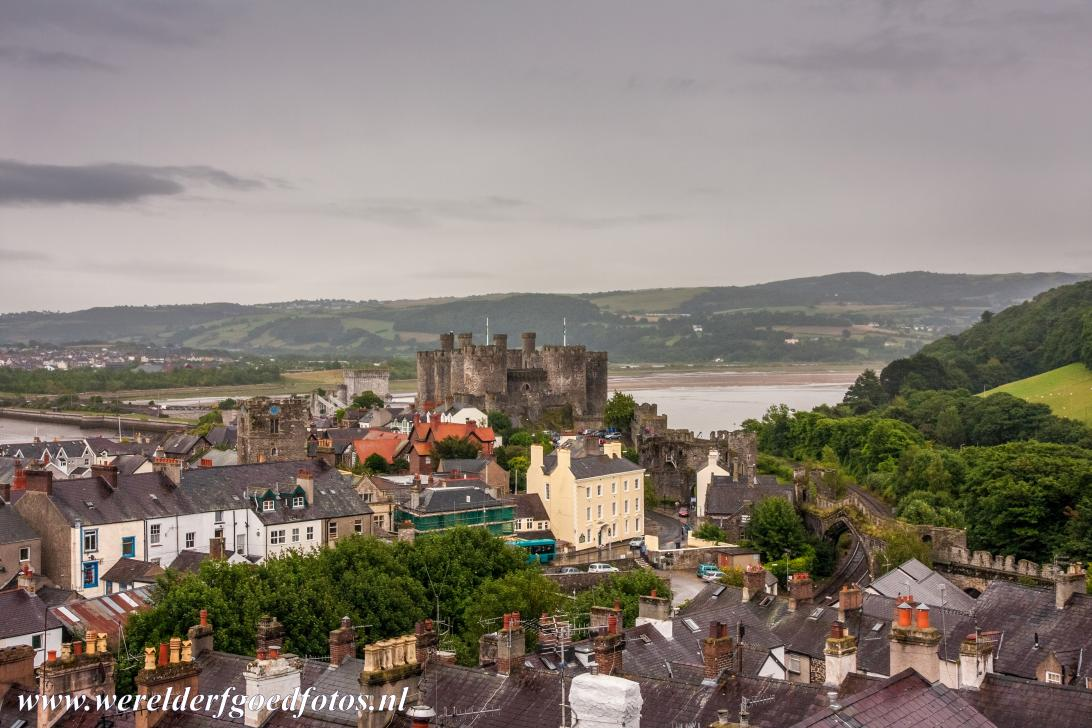 Conwy Castle and Town Walls - Conwy Castle is locaed upon a rock high above the town of Conwy and the mouth of the Conwy Estuary. Conwy Castle is a medieval fortification,...