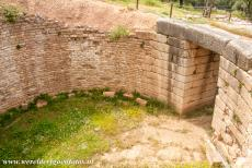 Archaeological Site of Mycenae - Archaeological Site of Mycenae: The roof of the tholos collapsed a long time ago. Mycenaeans buried their deceased nobles in large beehive...