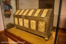 San Millan Yuso and Suso Monasteries - San Millán Yuso and Suso Monasteries: The ivory panels of the original relic chest of San Millán were stolen by soldiers of the...