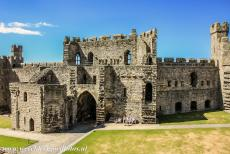 Caernarfon Castle - Castles and Town Walls of King Edward in Gwynedd: The King's Gate viewed from the walls of Caernarfon Castle. The King's Gate is the...