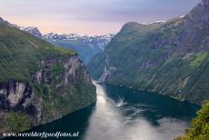Geirangerfjord and Nærøyfjord - West Norwegian Fjords - Geirangerfjord and Nærøyfjord: The most impressive waterfalls in the Geirangerfjord are the 'Syv...