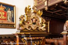 Kronborg Castle - Kronborg Castle: A detail of the artfully sculpted and gilded pews of the castle chapel. The pew on the left gallery was reserved for the Royal...