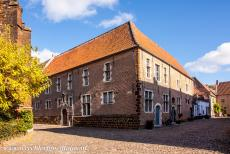 Flemish Béguinage Diest - Flemish Béguinage of Diest: The béguinage has broad streets paved with cobblestones, also called Belgian blocks. A...