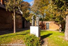 Flemish Béguinage Diest - The sculptures of two béguines in the Flemish Béguinage of Diest. Due to several wars and the crusades, there were more single...