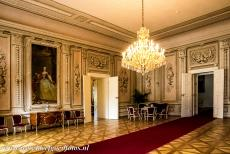 Litomyšl Castle - Litomyšl Castle: The Audience Hall was the largest and most prestigious hall of the castle. The chandelier is new and weighs about 300 kg,...