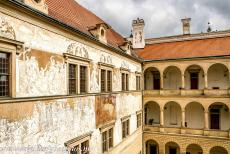 Litomyšl Castle - Litomyšl Castle: On the outside walls of Litomyšl Castle there are more than 8000 small sgraffito engravings. There are 24...