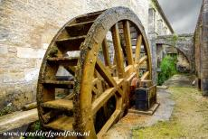 Cistercian Abbey of Fontenay - Cistercian Abbey of Fontenay: The huge water wheel next to the forge, a diversion of the river of Fontenay runs along the forge...
