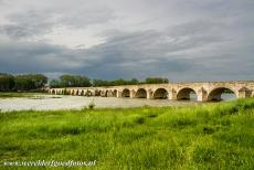 Loire Valley - Loire Valley: The 440 metres long stone bridge at Beaugency is probably the oldest bridge over the Loire, the 12th century bridge has 26...