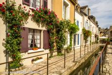 Loire Valley - Loire Valley between Sully-sur-Loire en Chalonnes: Beaugency is a quiet little town on the banks of the Loire. The streets are...