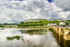 Loire Valley - Loire Valley between Sully-sur-Loire en Chalonnes: The Castle of Chinon is located on the banks of the Vienne about 10 km from...