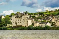 Loire Valley - Loire Valley between Sully-sur-Loire en Chalonnes: The Castle of Montsoreau is the only castle in the Loire Valley to have been built...