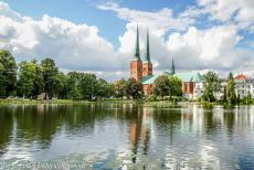 Hanseatic City of Lübeck - Hanseatic City of Lübeck: Lübeck Cathedral and the houses of Malerwinkel, the Painter's Corner, one of...