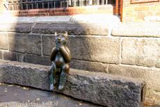 Hanseatic City of Lübeck - Hanseatic City of Lübeck: A small bronze statue of a devil sitting on the Devil's Stone is situated beside the Marienkirche,...