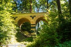 Muskauer Park / Park Muzakowski - Muskauer Park / Park Muzakowski: The viaduct across Sarah's Walk, the viaduct is situated on the Polish side of the Muskauer Park. The...