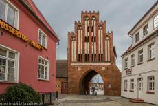 Historic Centre of Wismar - Historic Centre of Wismar: The Wassertor, the Watergate, is the only one left of the five original gates towers in the medieval...