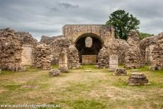 St. Augustine's Abbey in Canterbury - St. Augustine's Abbey, Canterbury: The Norman crypt and the Chapel of St. Mary and the Angels. On the left hand side the Chapel of St. Thomas....