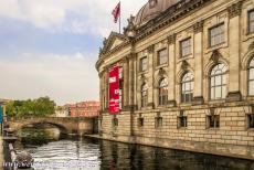 Museumsinsel Berlijn - Museumsinsel (Museum Island): The Bode Museum was designed by Ernst von Ihne and built in 1897-1904. The Neo-Baroque Bode Museum was...